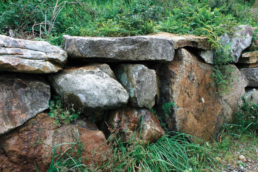 indian-hill-boulder-wall-stone-nj