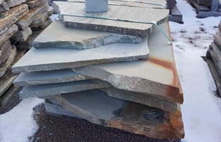 Picture of our sawn thermal bluestone, overswized garden path and stepping stone pallet