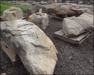 sculptural-placement-rocks
