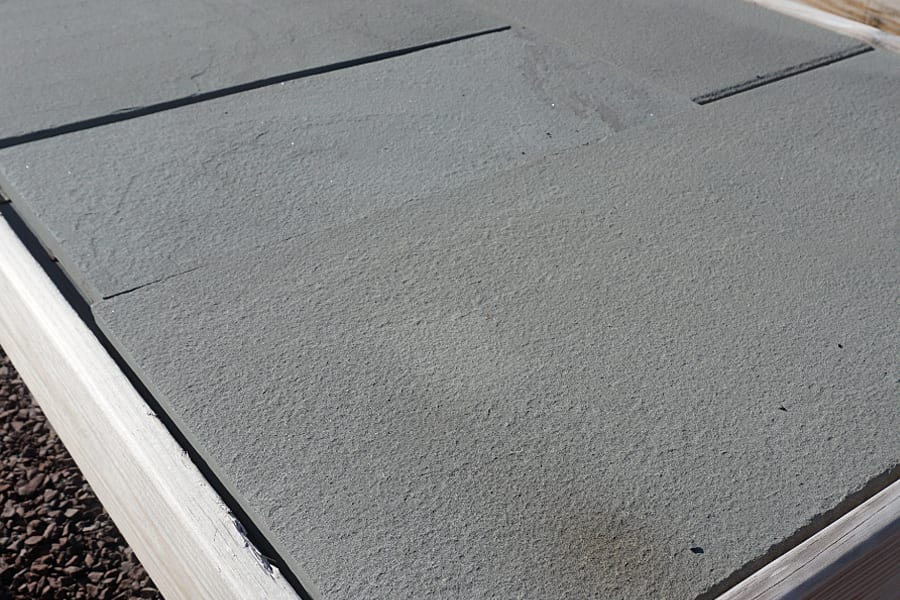 Close-up photograph of Sawn Thermal, Blue-Blue, walkway and patio stone.