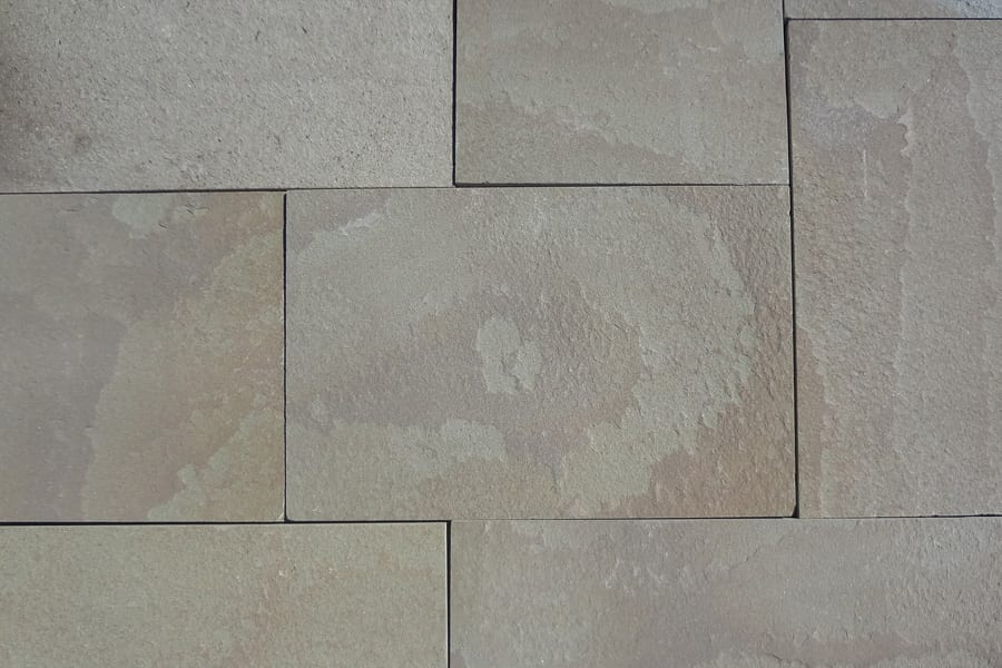 karney-walkway-and-patio-stone-closeup