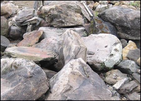 PA Colonial Stone boulders