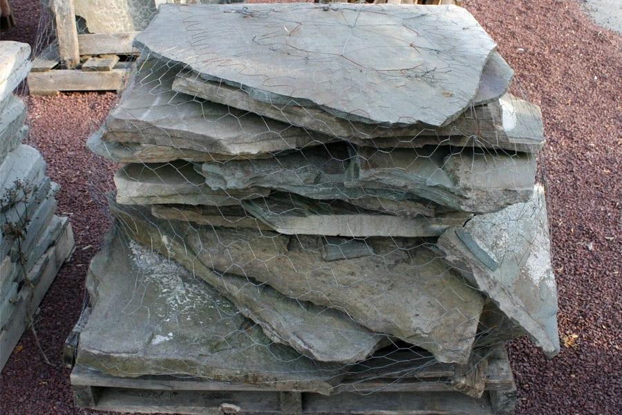 pa-colonial-large-flagstone-walkway-stone-close-up