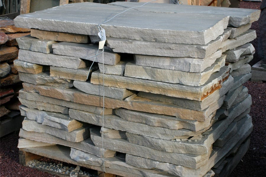 tennessee-crab-orchard-gray-flagstone-walkway-patio_stone