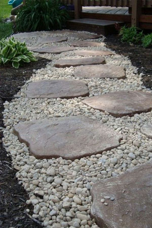 Stepping stones with gravel in between